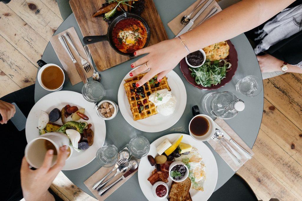 Sélectionner les meilleurs plateaux repas préparés pour votre famille